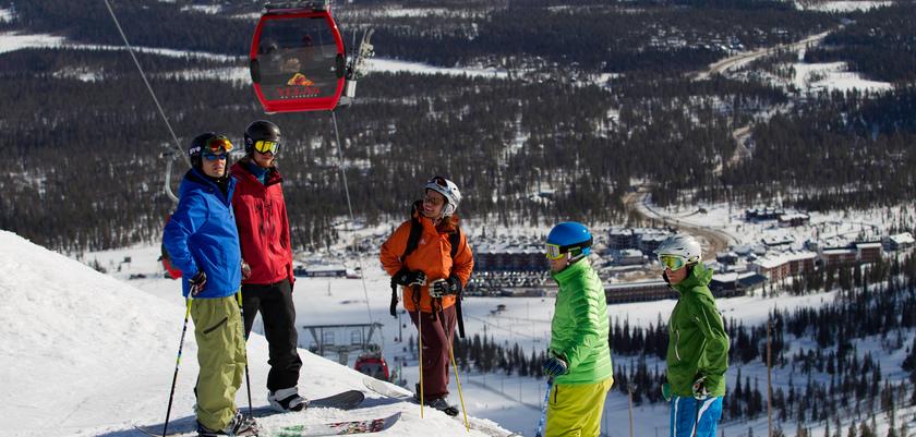 finland_lapland_yllas_skiers.jpeg